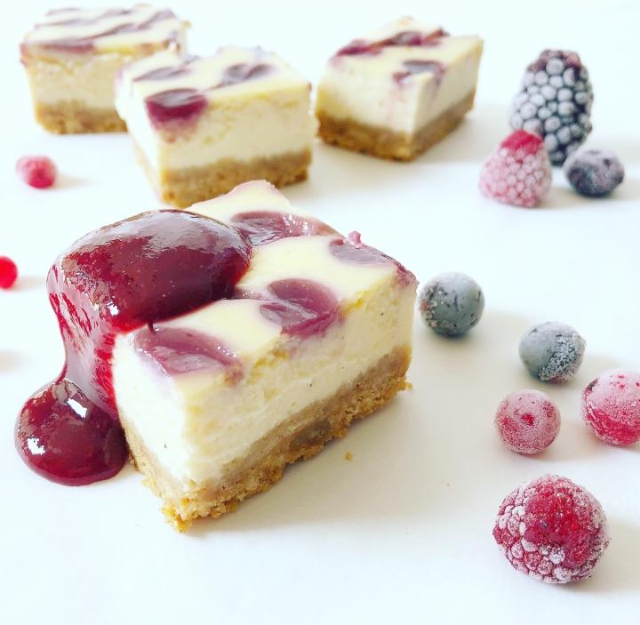 Ricotta-Tarte mit Beerensoße